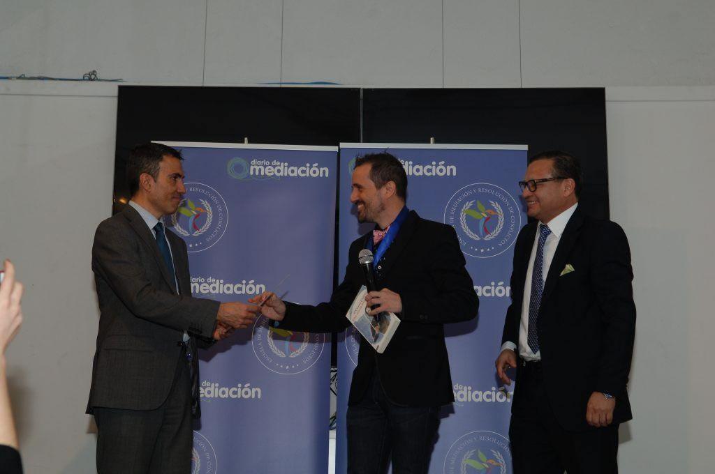 Curro Cañete recoge la Medalla al Mérito Profesional