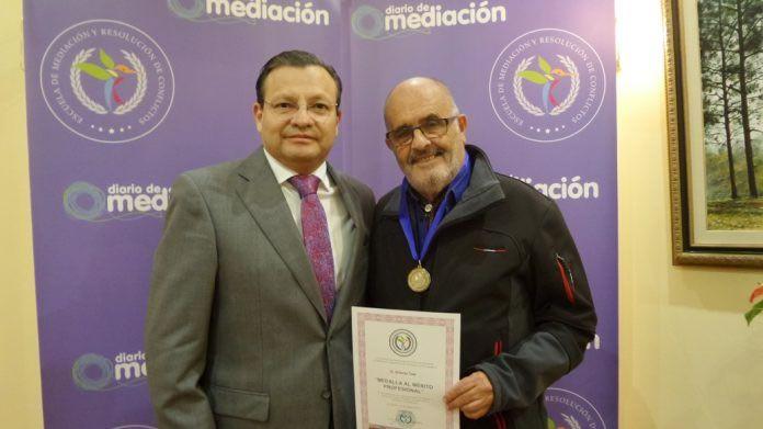 Antonio Tula, medalla al mérito profesional