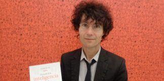 Josemi Valle termina su trilogía Existencias al unísono