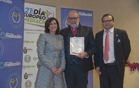 Ramón Alzate, Medalla al Mérito Profesional 2019