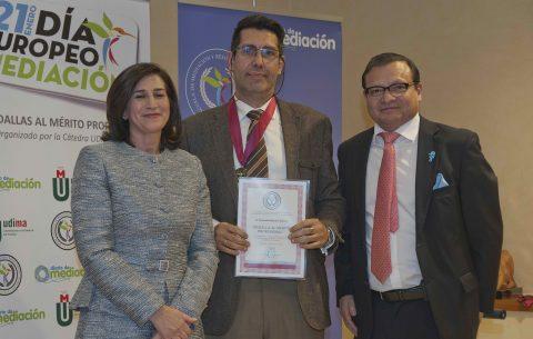 El director de mediaICAM es premiado por Diario de Mediación