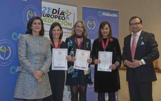 Mediación Navarra recibe la Medalla al Mérito Profesional 2019