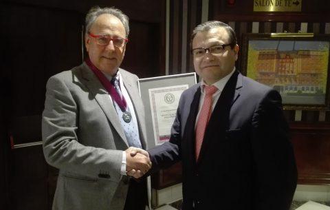 Pascual Ortuño recibe la Medalla al Mérito Profesional 2019