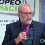 EL psicólogo y mediador, Ramón Alzate, recibe la medalla al Mérito Profesional
