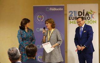 Medalla al Mérito Profesional Ana María Carrascosa