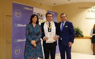 Medalla Mérito Profesional Juan Francisco Mejía Gómez